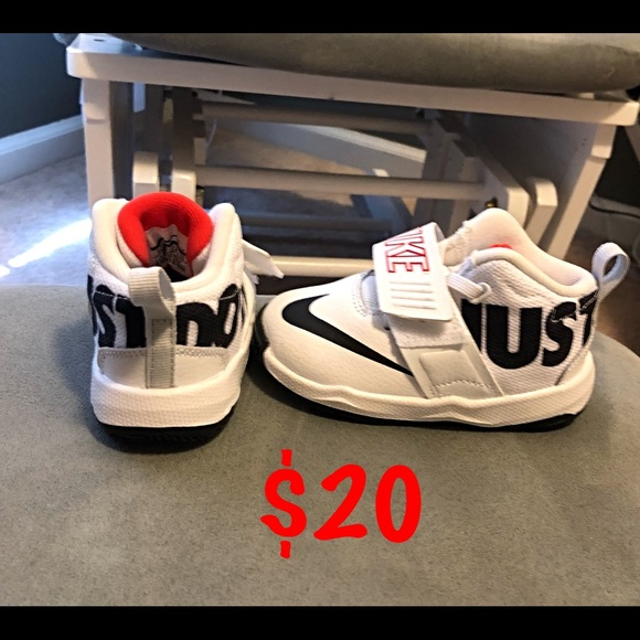 Nike Other - Toddler boys shoes. Size 6.